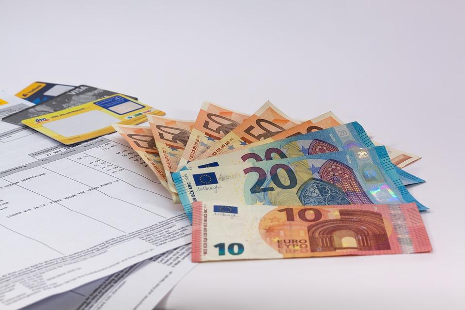 money-1439125_960_720
